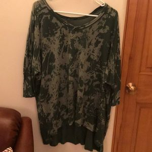 Ella Moss Green Hi Low Flowy T-shirt
